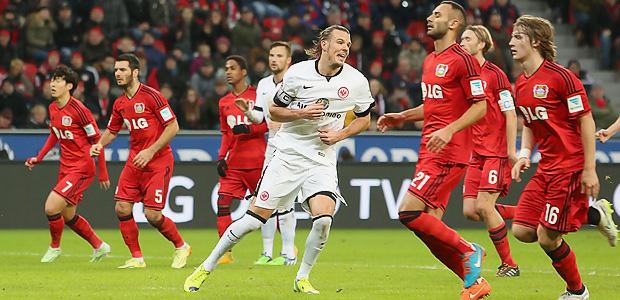 Meier trifft. Leverkusen guckt dumm. Foto: Stefan Krieger.