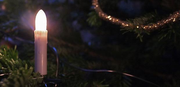 Ein Kerzlein brennt. Foto: Stefan Krieger.