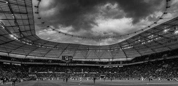 Dunkel Wolken über Leverkusen. Foto: Stefan Krieger.