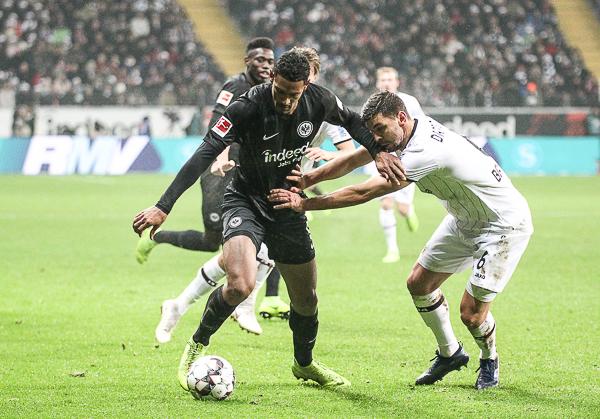 16.12.18: Eintracht besiegt Leverkusen 2:1