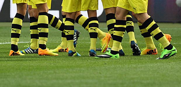 Der Dortmunder trägt gerne gelb-schwarze Ringelstrümpfe. Foto: Stefan Krieger.