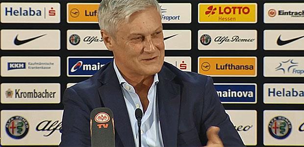 Armin Veh auf der PK. Screenshot: Eintracht-TV