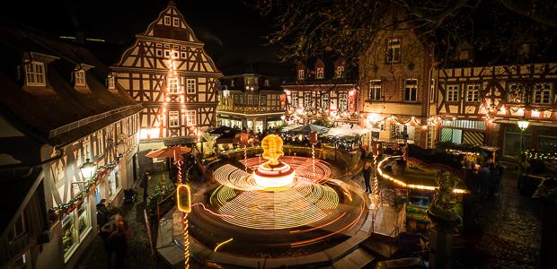 Weihnachtsmarkt, wie man ihn sich im Taunus aufbaut. Foto: Stefan Krieger.