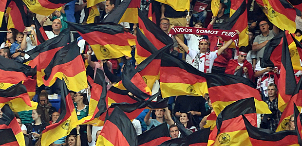 Suchbild: Frankfurter Fan in Sinsheim. Foto: dpa.